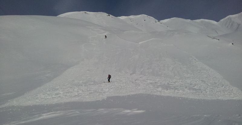 skier triggered avalanche on lower Magnum.